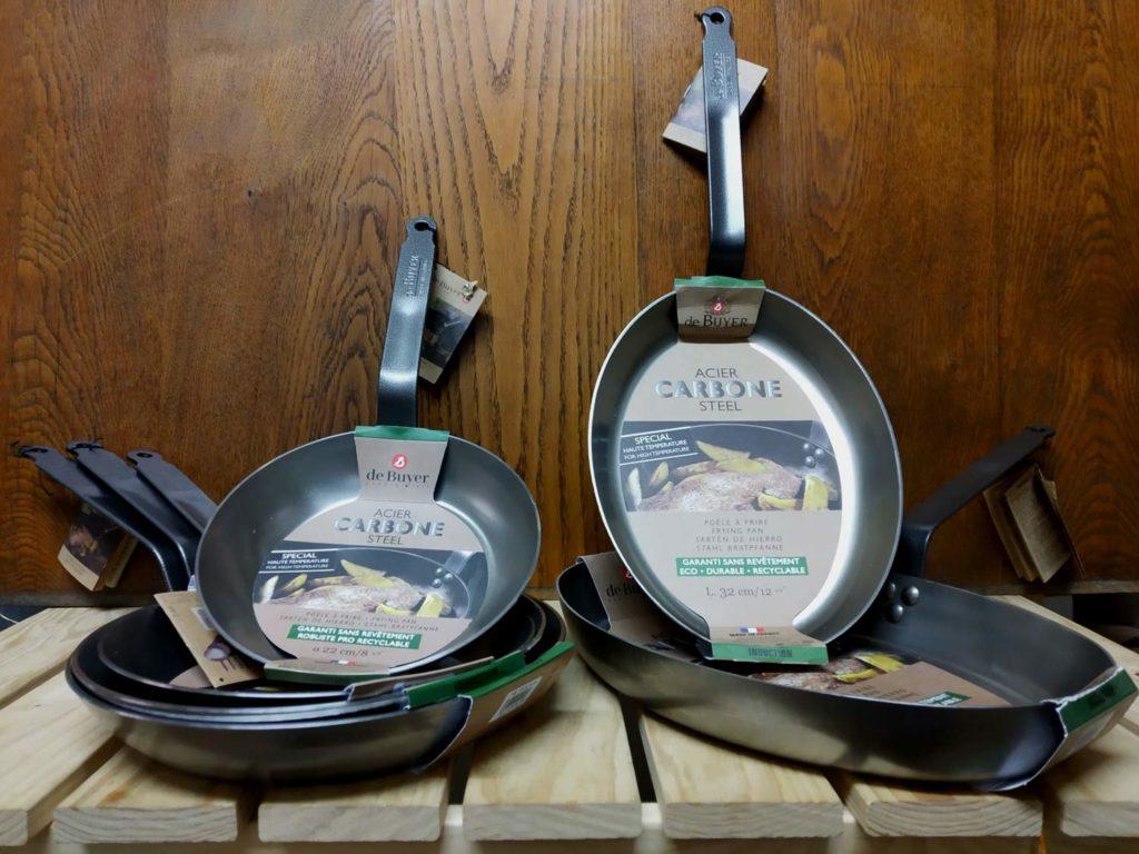 Poëles ronde et à poisson de la gamme Carbone. Rapport Qualité/prix imbattable
